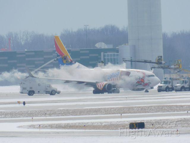 Boeing 737-700 (N918WN) - De-ice