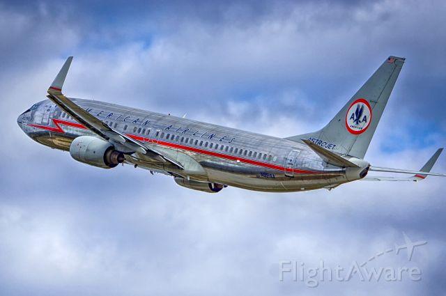 Boeing 737-800 (N951AA) - 4 departure.