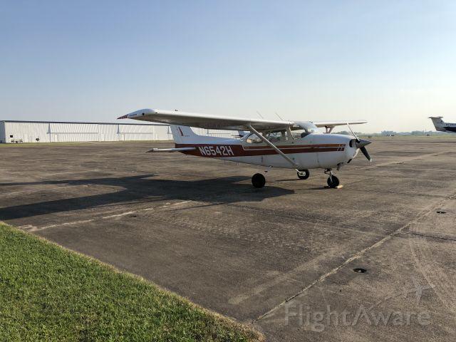 Cessna Skyhawk (N6542H)