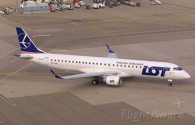 Embraer ERJ-190 (SP-LND)