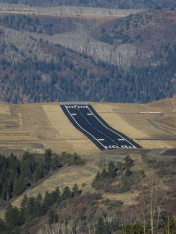 Piper Saratoga (N624DP) - About to turn base-to-final for runway 27 in Telluride, Colorado (KTEX)