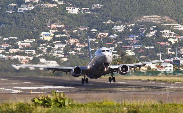Boeing 737-700 — - BOEING 737 8Q8
