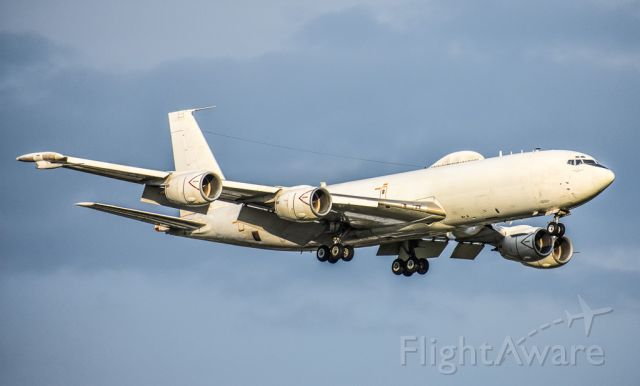 Boeing E-6 Mercury — - E6 doing touch and goes!