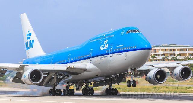 Boeing 747-400 (PH-BFG) - KLM- PH-BFG landing at TNCM St Maarten!!