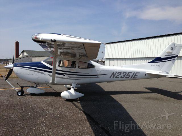 Cessna Skylane (N2351E)