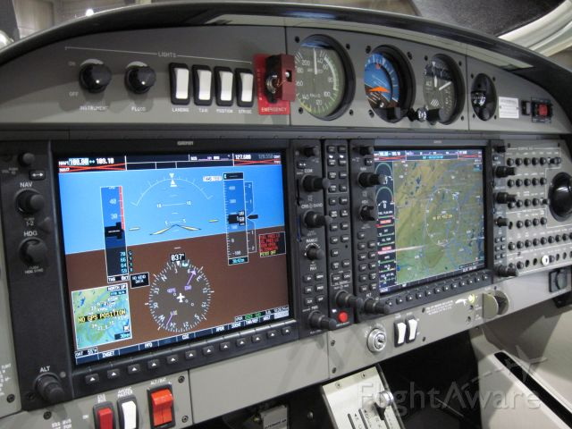 Diamond Star (N889DS) - Diamond Star DA40 XLS on static display with Garmin G1000 avionics suite during the www.BestInFlight.net
