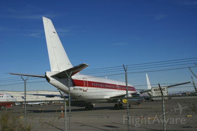 Boeing 737-200 (N5175U)