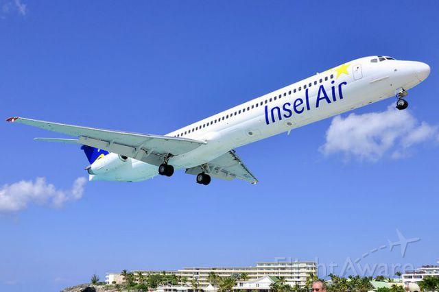 McDonnell Douglas MD-82 (PJ-MDC) - Landing at St.Maarten