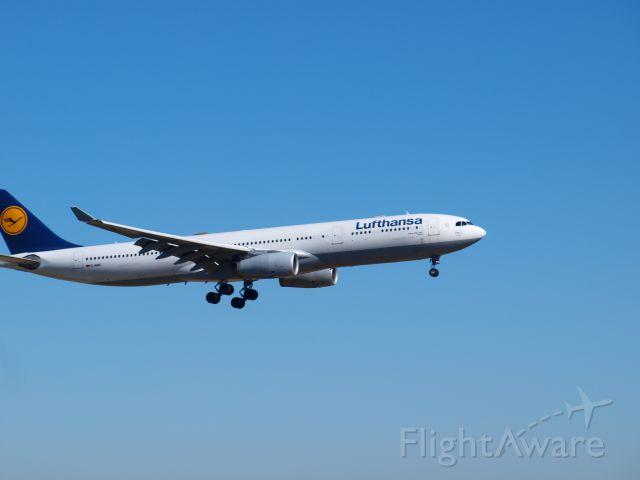 Airbus A330-300 (D-KJAC)