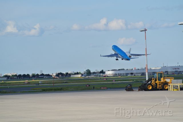 Boeing MD-11 (PH-KCE) - KLM MD11 departing runway 05 at pearson