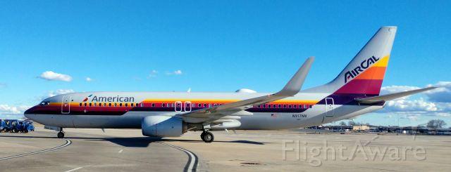 Boeing 737-800 (N917NN) - Always nice too see the retro's in CLT<br /><br />1/24/19