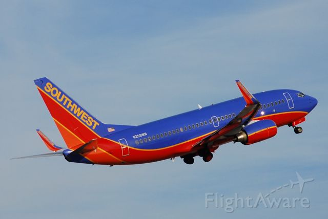 Boeing 737-500 (N259WN) - Southwest 737 taking off from KHOU