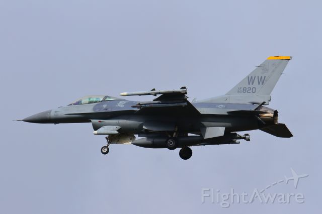 Lockheed F-16 Fighting Falcon (90-0820)
