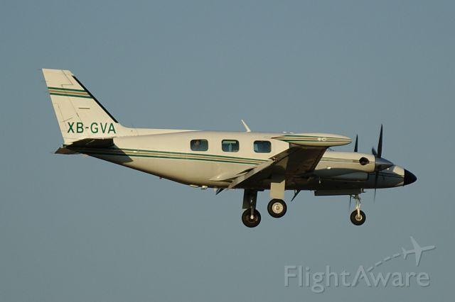 Piper Cheyenne 2 (XB-GVA)