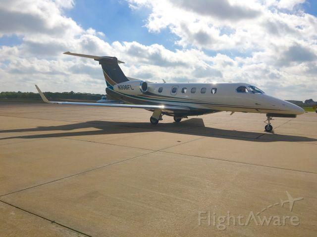 Embraer Phenom 300 (N306FL)