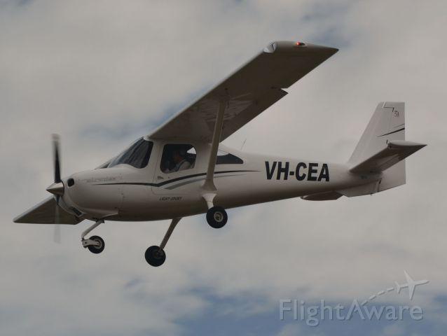 Cessna Skycatcher (VH-CEA)