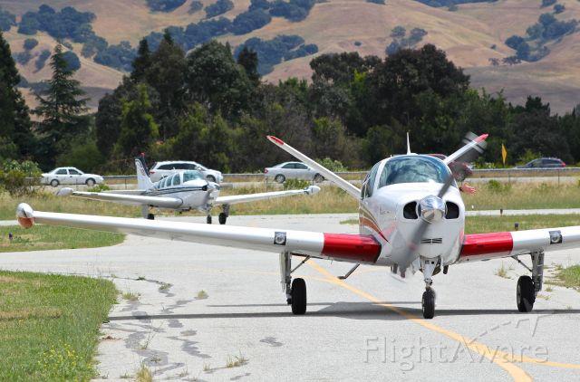 Beechcraft 35 Bonanza (N3251C) - Beechcraft Bonanza V35 taxing in with an A36 Bonanza behind it after a formation flight at the San Martin Airport.