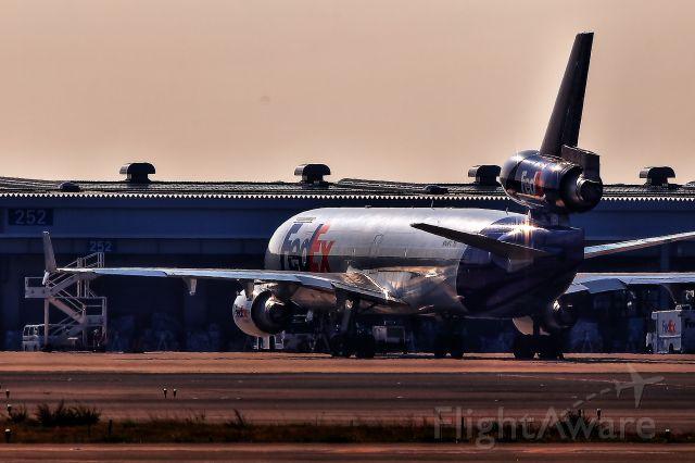 Boeing MD-11 (N604FE) - Shining Fedex MD-11F in KIX..