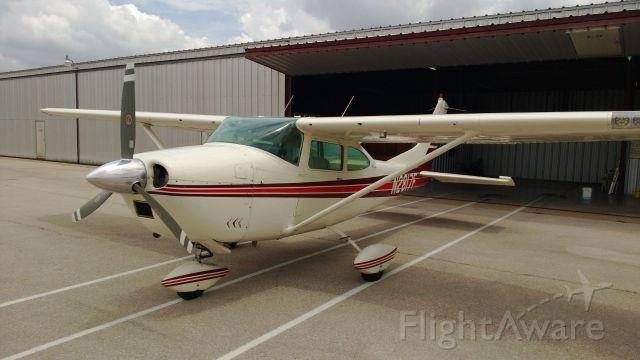 Cessna Skylane (N2817F)