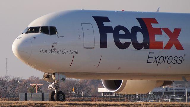 """BOEING 767-300 (N139FE) - """"Spencer"""""""