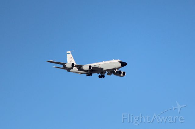 Boeing RC-135 (62-4127) - 010713 unknown Rivet Joint variant on final at Offutt AFB