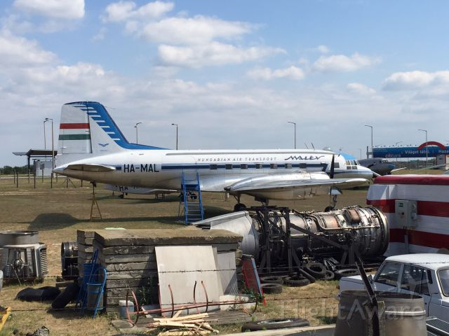 VEB Il-14 (HA-MAL)