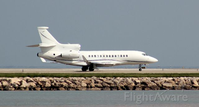 Dassault Falcon 7X (M-YNNS) - txiway at Nice airport for 04R