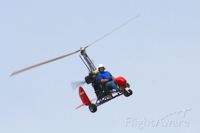 N4356P — - Thomas Gage in his experimental autogyro spots me and makes a nice bank to give me a great photo.