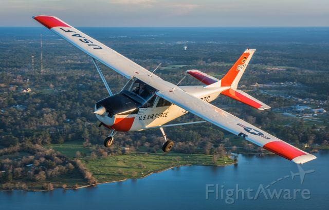 Cessna Skyhawk (N7177G) - Photo by https://www.machpointoneaviation.com/