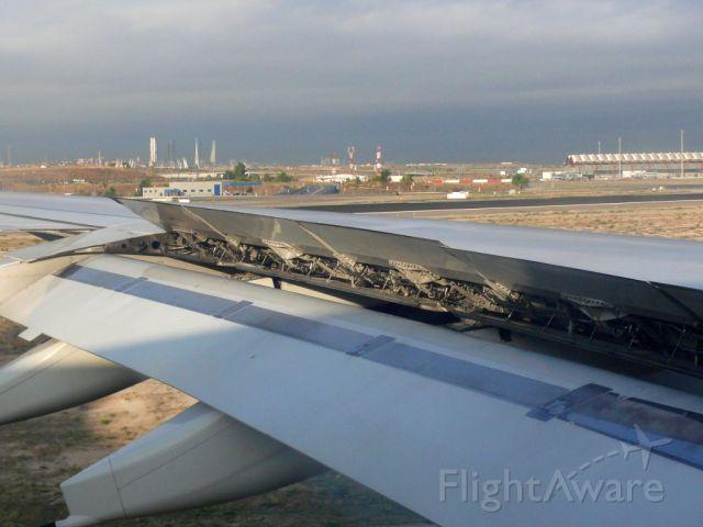 EC-IZY — - Landing on Rwy 33R.