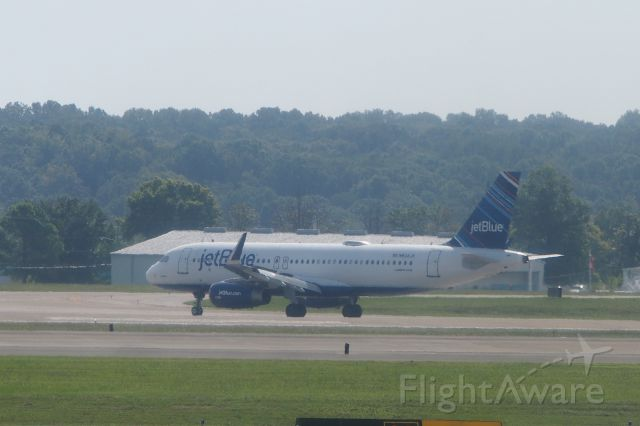 Embraer 175 (N804JB)