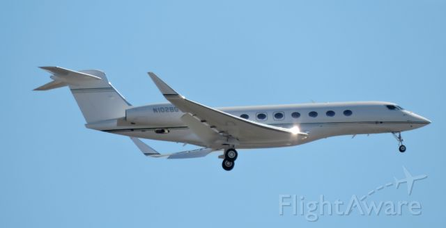 N102BG — - Private jet seconds before landing March 2018.
