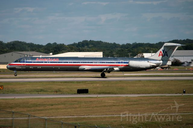 Cessna Chancellor (N483A) - DC-9-82(MD-82) arriving Nashville from Dallas