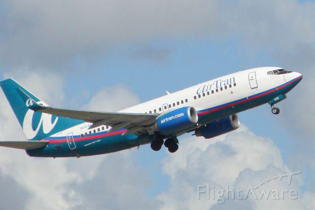 Boeing 737-700 (N261AT) - AirTran Flight 691 departs Runway 14 at Sarasota-Bradenton International Airport