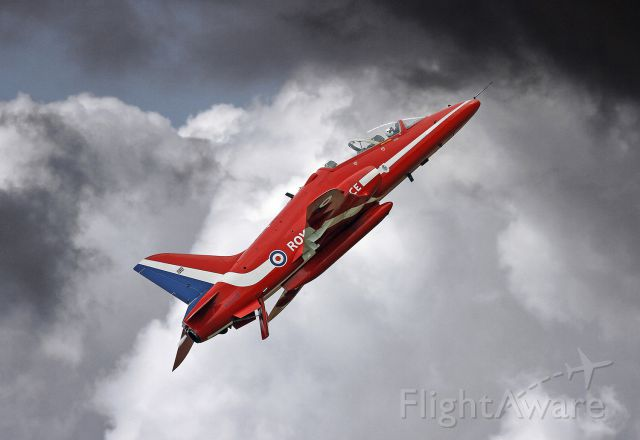 FUJI T1F (XX319) - Climbing to regroup with the rest of the RAF Red Arrows at The Duxford Airshow.