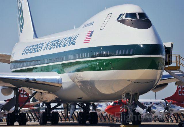 Boeing 747-200 (N471EV)