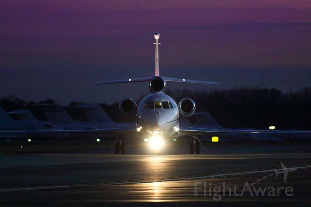 Dassault Falcon 900 (N297GB) - Taxiing to the ramp at PDK airport in Atlanta Georgia.
