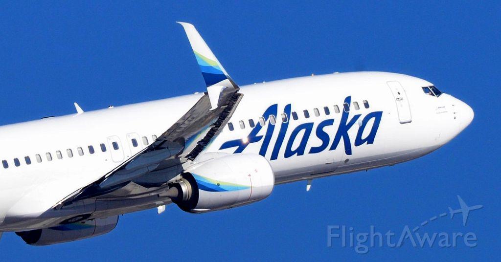 Boeing 737-700 (N274AK) - phoenix sky harbor 13DEC19