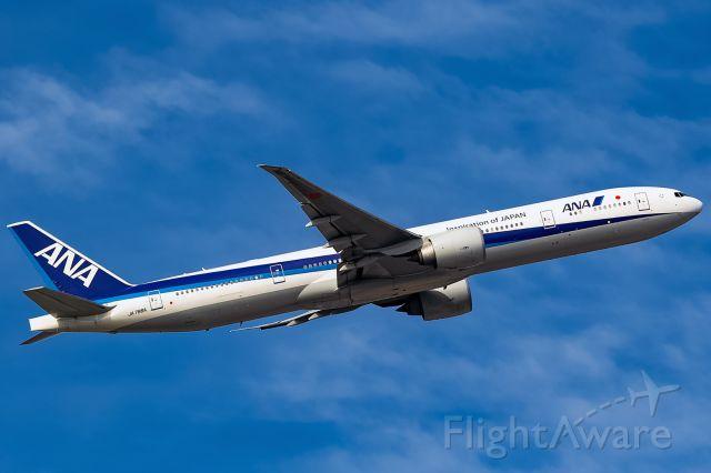 BOEING 777-300 (JA786A)
