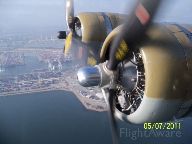 — — - Numbers 3 and 4 over Long Beach B-17 909 (Collings Foundation G model