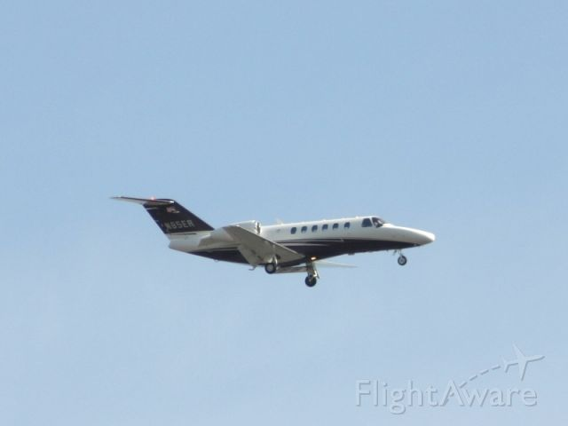 N85ER — - On final approach to Teterboro Airport, New Jersey
