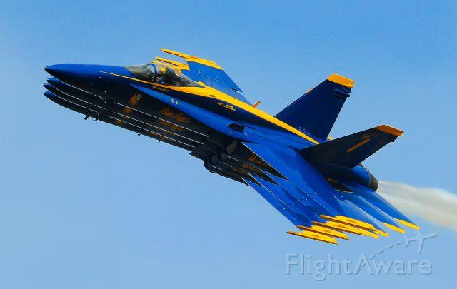 — — - The Blue Angels right echelon pass. LAKELAND, FL.