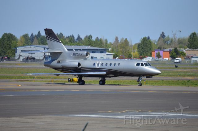 Dassault Falcon 50 (N629EP) - Locally-based Falcon 50 taxiing in after arriving from Palm Springs (KPSP/PSP).