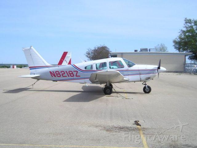 Piper Cherokee (N8218Z)