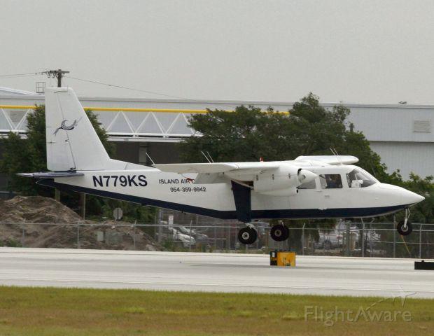 ROMAERO Islander (N779KS)