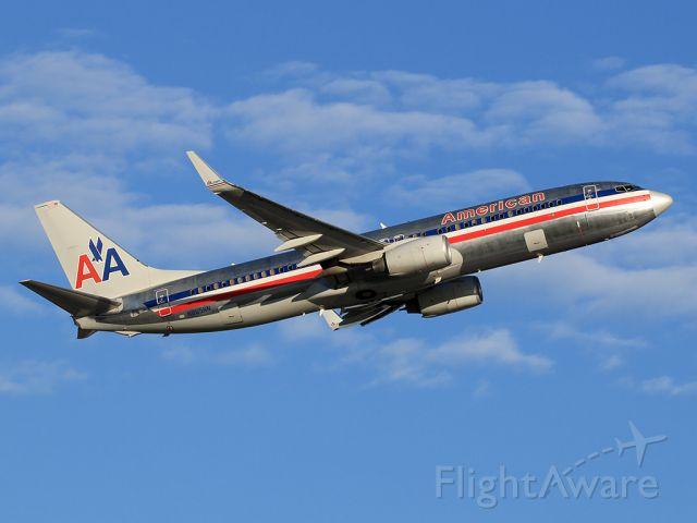 Boeing 737-800 (N865NN)