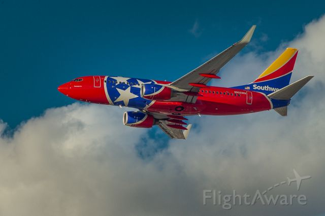 N922WN — - Red, White and Blue...with just a little yellow.