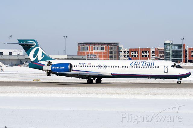 Boeing 717-200 (N966AT)