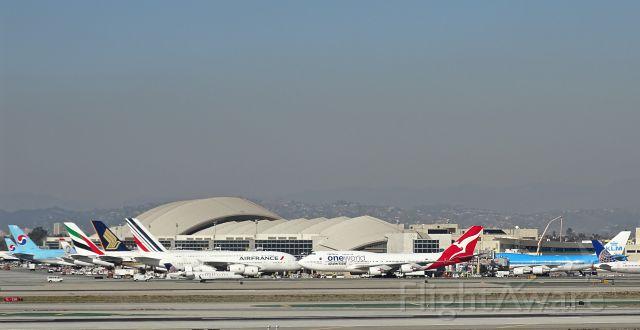 Boeing 747-400 (VH-OEF) - a rel=nofollow href=http://flightaware.com/live/flight/VHOEF/history/20151230/0725Z/YSSY/KLAXhttps://flightaware.com/live/flight/VHOEF/history/20151230/0725Z/YSSY/KLAX/a