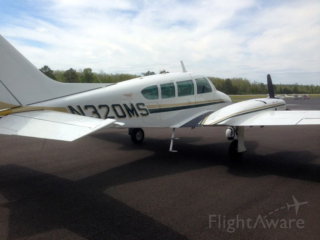 Cessna Executive Skyknight (N320MS)